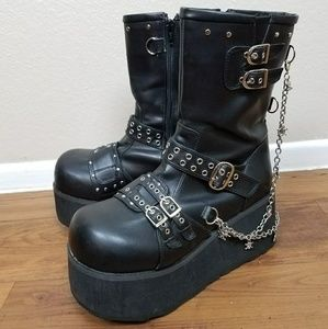 LAST CHANCE Demonia Clash 430 Platform Chain Boots
